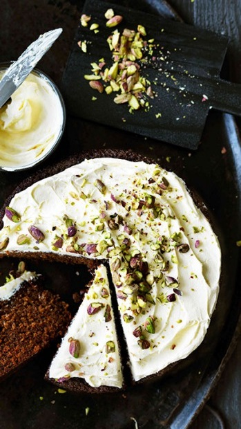 Ginger cake with lemon & pistachio icing