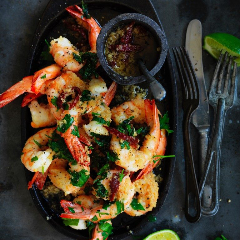 Pan-fried prawns with garlic & chipotle oil