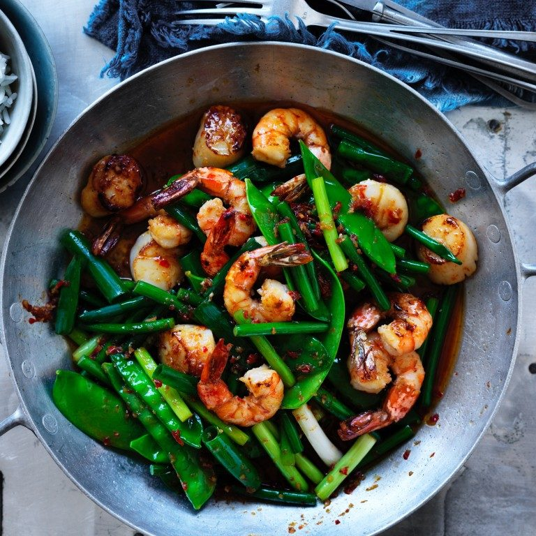 Spicy stir-fried prawns & scallops