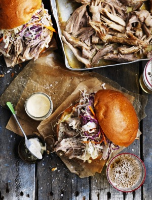 Pulled pork & coleslaw burgers with chipotle mayo