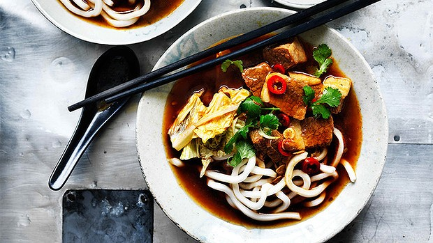 Spicy braised beef soup with hot bean paste