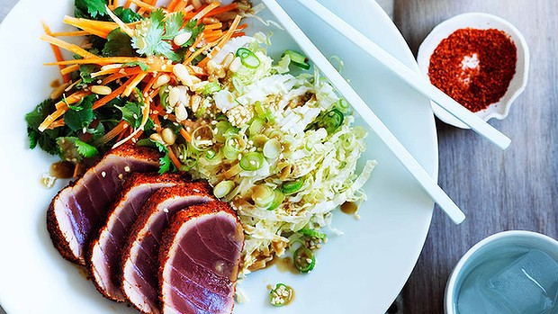 Seared tuna salad & sesame dressing