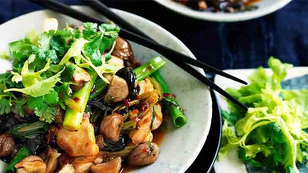 Chilli chicken with chesnuts