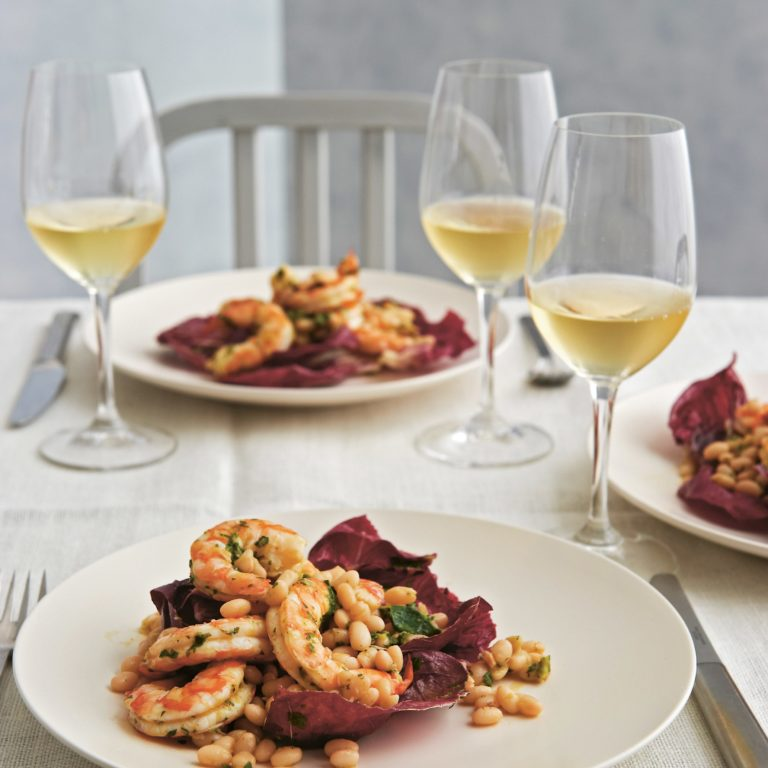 King prawn & white bean salad