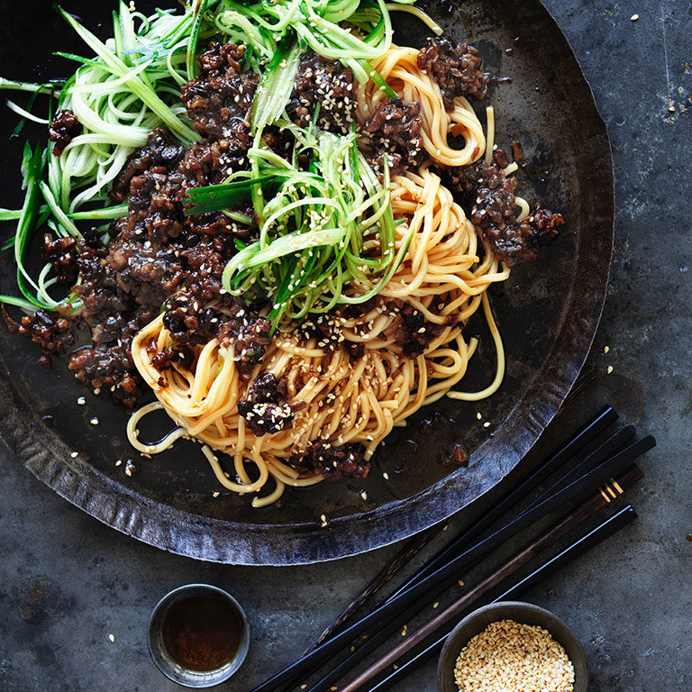 Pork hokkien noodles with black bean